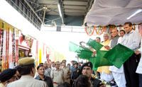 Union Home Minister Rajnath Singh, Railways Minister Suresh Prabhu flag off AC Double Decker Bi-weekly express train between Anand Vihar and Lucknow