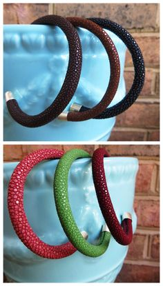 Bangles with cool textures in great colors for the fall!    https://www.chickspicksbyhillary.com/#searchresults/catalog.cfm?st=bangle