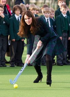 Kate Middleton Visiting St. Andrew's School in England Photo 2#./Kate-Middleton-Visiting-St-Andrews-School-England-26134691?&_suid=135431214746105166773763480172