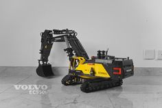 Hello Everyone, here is my new MOC: Fully RC Volvo EC950EL with head made big bucket. it has two XL motors for driving, 1 XL motor for XL turntable, 4...