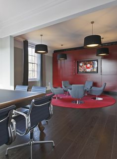 #HTSpotted - Happy Lounge Chairs - Langlands Windsor Advertising Agency Offices / Jump Studios