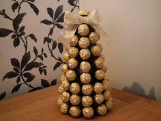 Resultado de imagen de mesa de dulces dorado, negro, fiusha