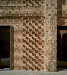 40 Spectacular Brick Wall Ideas You Can Use for Any House 40 Spectacular Brick Wall Ideas You Can Use for Any House MADE Center madecenter Metselwerk Masonry Brick wall decor nbsp hellip wall design Brick Design, Facade Design, Wall Design, Patio Design, Design Design, Brick Wall Decor, Brick Works, Brick Detail, Brick Texture