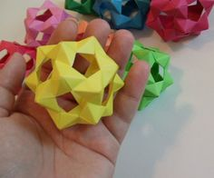 30 Unit PHiZZ Ball (modular Origami) : 3 Steps (with Pictures) - Instructables Origami Ball, Diy Origami, Gato Origami, Design Origami, Origami Simple, Origami Star Box, Origami And Kirigami, Origami Paper Art, Origami Fish