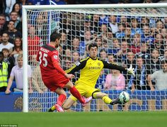 Chelsea's number one Thibaut Courtois made a terrific save from David Nugent when Chelsea were just up to ensure that the home side stayed ahead of Leicester Chelsea Fc Players, 1 Vs 1, Thibaut Courtois, Chelsea Football, Stamford Bridge, Soccer Training, Goalkeeper, Leicester, Fo Porter
