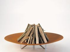 Qrater campfire dish, designed by Dirk Wynants.