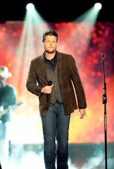 Blake Shelton...mmmmmhmmm!