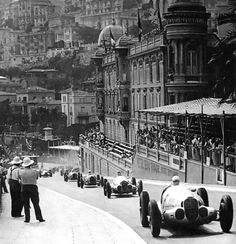 1937 Monaco Grand Prix - those big old Audi's up front!
