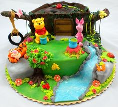 Winnie the Pooh/birthday party ideas/kids birthday party ideas/birthday cake ideas/cake decorating/cake decorating ideas/cake decorations/cake design/cake design ideas/cartoon cake designs/kids birthday cakes/kids cakes/birthday themed cakes/cake toppers