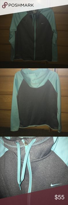 Nike Hoodie Worn twice! Super warm and comfortable! Nike Tops Sweatshirts & Hoodies