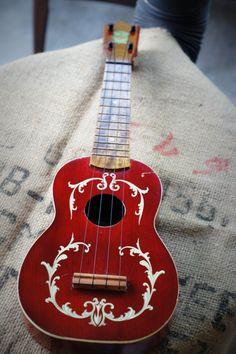 Academy ukulele