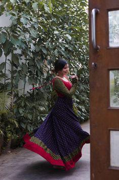 Indian Gowns Dresses, Indian Fashion Dresses, Indian Outfits, Kalamkari Dresses, Ikkat Dresses, Bandhini Dress, Long Kurta Designs, Classy Wear, Dress Indian Style