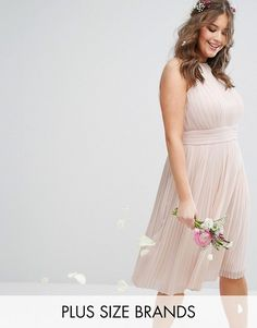Discover the latest bridesmaid dresses with ASOS. Browse our range of bridesmaid dress styles including short, sequined, maxi and straplesses options. Shop now with ASOS. Plus Size Fashion For Women, Plus Size Womens Clothing, Plus Size Outfits, Clothes For Women, Size Clothing, Sequin Bridesmaid Dresses, Bridesmaid Dress Styles, Wedding Dresses, Women's Dresses