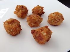 Indo-Chinese Dumpling Recipe ( How to make Manchurian balls) Appetizer Recipes, Appetizers, Chinese Dumplings, Dumpling Recipe, China, Chinese Food, Balls, Muffin, Eat