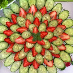 Hoje teve buffet de saladas no almoço! Sempre fotografo a apresentação para copiar em casa!Postei tudo e mais um pouco no Snap! Vai lá!  carolbuffara #projetocarolbuffara #healthyfood #organic