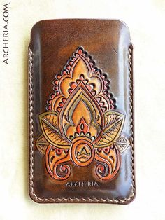 Items similar to Hand carved and tooled paisley leather Iphone 5 case on Etsy Leather Carving, Leather Engraving, Small Leather Bag, Leather Art, Leather Design, Leather Tooling Patterns, Leather Pattern, Leather Craft Tools, Leather Projects