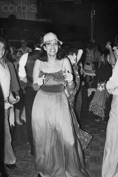 Christina Onassis dancing at Studio 54 Studio 54 Fashion, Studio 54 Style, Andy Warhol, Night Club, Night Life, Studio 54 New York, Aristotle Onassis, Celebrities Then And Now, People Dancing