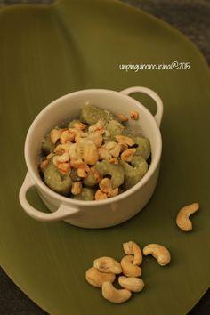 Matcha Green Tea Gnocchi with Roasted Cashews - Gnocchi al te matcha con anacardi tostati