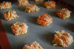 TODDLER FOOD - Carrot apple cheddar bites. Must make