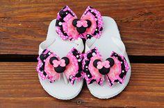 Glitter Pink Minnie Ribbon Flip Flops and Hair Bow - $46.00 Ribbon Flip Flops, Baby Flip Flops, Cute Flip Flops, Kids Flip Flops, Flip Flop Shoes, Flip Flop Craft, Decorating Flip Flops, Minnie Mouse Pink, Custom Ribbon
