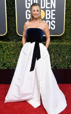 Kaley Cuoco in Monique Lhuillier from 2019 Golden Globes Red Carpet Fashion Kaley Cuoco, Joanna Krupa, Golden Globe Award, Golden Globes, Award Show Dresses, Monique Lhuillier Dresses, Red Carpet Looks, Red Carpet Dresses, Celebrity Dresses