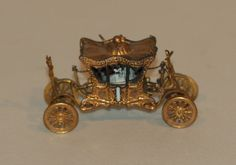 Antique Victorian Gilt Brass Metal Figural Carriage Coach Sewing Tape Measure