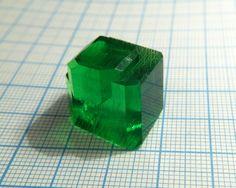 single crystal of Na3[Fe(C2O4)3]*3H2O, sodium tris-oxalato ferrate(III)