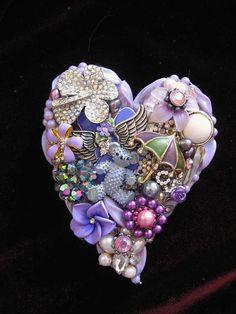 Uniquely Designed Vintage Jewelry Art & Home Decor. Jewelry Frames, Jewelry Wall, Jewelry Tree, Heart Jewelry, Jewelry Bracelets, Necklaces, Costume Jewelry Crafts, Vintage Jewelry Crafts, Cristal Art