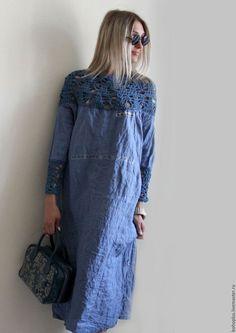Купить или заказать Платье из льна 'Стелла' в интернет-магазине на Ярмарке Мастеров. Колокольчики в траве Голубыми глазками, Смотрят в небо и молчат, Все о том что что видели. Платье из тонкого льна джинсового цвета и интересного хлопка из которого связан лиф и манжеты к платью. Платье на удивление идет всем и очень комфортно и в носке и к телу.