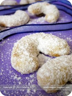 Homemade Donuts, Crescent Rolls, Christmas Cookies, Doughnut, Vanilla, Baking, Crescents, Sweet, Desserts