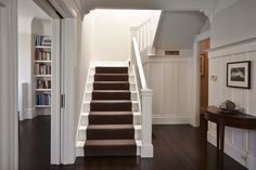 Traditional Edwardian home gets rehabbed in San Francisco Bay Area San Francisco Bay, San Francisco Houses, White Staircase, Carpet Staircase, Staircase Ideas, Staircase Runner, Staircase Design, Edwardian Haus, Edwardian Style