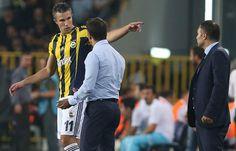 Fenerbahçe'ye tarihi teklif! 22 milyon euro - Bir Dubai ekibi, Robin van Persie için 22 milyon euro ile Sarı-Lacivertliler\'in kapısını çaldı ama ret yanıtı aldı.