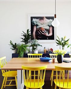 Thinking of decorating your home with yellow accents? Do you want to know more about the psychology of yellow? Time to liven up dull spaces with zesty yellows that will bring your home to life. Use it an an accent colour. The Sunny side of things