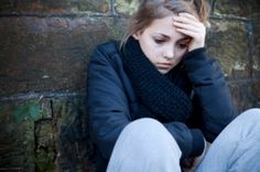 One in four teens has an anxiety disorder. What does teen anxiety look like? Read one teenage girl's experience with anxiety. Teenage Depression, Natural Remedies For Depression, Natural Cures, Natural Health, Narcissistic Mother, Narcissistic Abuse, Obsessive Compulsive Disorder, Come Undone, Teen Boys