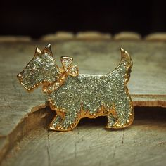 Show your puppy love with this Terrier Brooch  #craft365.com
