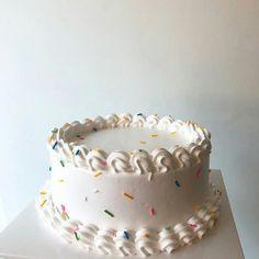 Cute Desserts, Delicious Desserts, Dessert Recipes, Cupcakes, Cupcake Cakes, Just Cakes, Piece Of Cakes, Macaron, Pretty Cakes