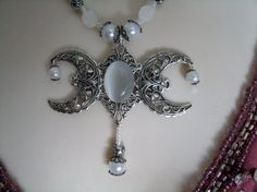 Triple Moon Goddess Necklace wiccan jewelry pagan by Sheekydoodle, $36.00 SOOOOO Pretty