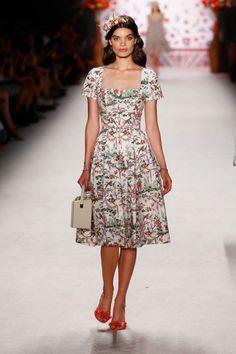 Lena Hoschek: Fashion Week Berlin, Frühjahr/Sommer 2016