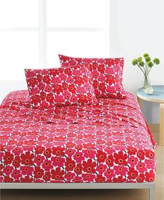 Marimekko Mini Unikko Red Bedding Maija Isola's famous 1964 red poppies are scaled down to a mini size and printed on cotton percale. These sheets will only get softer from machine washing, making them a beautiful staple in the be. Red Bedding, Luxury Bedding, Bedding Sets, Floral Bedding, Modern Bedding, Cotton Bedding, Twin Xl Sheet Sets, King Sheet Sets, Twin Xl Sheets