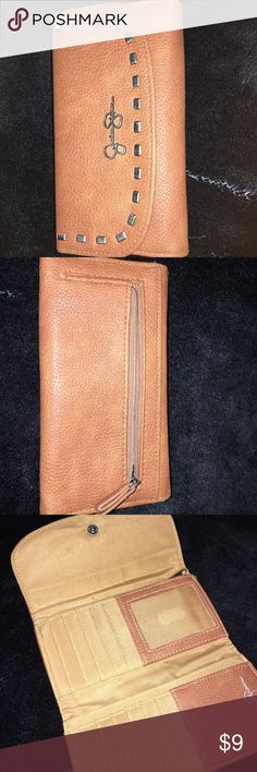 Jessica Simpson wallet Great condition! Jessica Simpson Bags Wallets