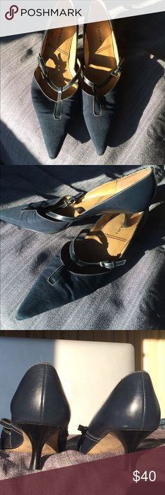 Tahiti Navy Blue Noel Leather Kitten Heels Tahiti Navy Blue Noel Leather Upper Balance Man Made Kitten Heels 2inches in excellent used condition other than wear in bottom. Tahari Shoes