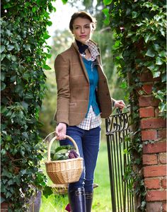 Beautiful lady - what a lovely way to wear tweed. Take a look at our stylish tweed jackets. English Country Fashion, British Country Style, Country Casual, Country Outfits, Country Chic, Country Life, Country Living, Country Wear, Look Fashion