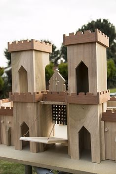 This is where we are at the moment, the Castle front is finished ( apart from sanding and sealing)