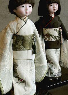 Boy Ichimatsu dolls, beautiful crane kimono