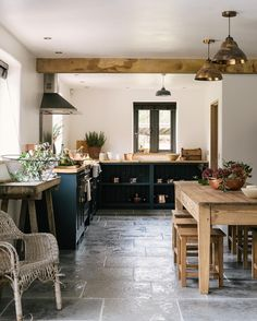 First glimpse at today's amazing shoot, a wonderful country kitchen with gorgeous natural stone flooring from our sister company @floorsofstone ... we are in love  #deVOLKitchens