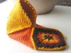 Transcendent Crochet a Solid Granny Square Ideas. Inconceivable Crochet a Solid Granny Square Ideas. Crochet Slipper Pattern, Granny Square Crochet Pattern, Knitted Slippers, Crochet Slippers, Crochet Motif, Easy Crochet, Crochet Baby, Knit Crochet, Crochet Patterns