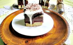 Retete Culinare - Prajitura cu jeleu de visine si crema de ciocolata