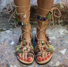 Sandalias de cuero hecho a mano por encargo. Athena 2 es la nueva edición de uno de mis sandals(Athena) favoritos y se adorna con trenzas de