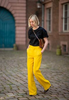 5 Women's Pants Styles To Own In 2020 Want a fail-safe lineup of pants styles to cover your bases in Her are the cuts, styles and fabrics to shop. Yellow Pants Outfit, Blue Pants, Business Outfit Frau, Fashion Pants, Fashion Outfits, Style Fashion, Fashion Trends, Business Mode, Yellow