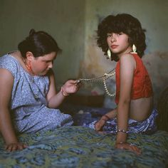 "From ""The Adventures of Guille and Belinda and the Enigmatic Meaning of their Dreams"" by Magnum Photos​ photographer, Alessandra Sanguinetti. 📷 The Necklace, Buenos Aires, Argentina, 1999 Magnum Photos, History Of Photography, Documentary Photography, Photography Tips, Portrait Photography, Intimate Photography, People Photography, Professional Photography, Abstract Photography"
